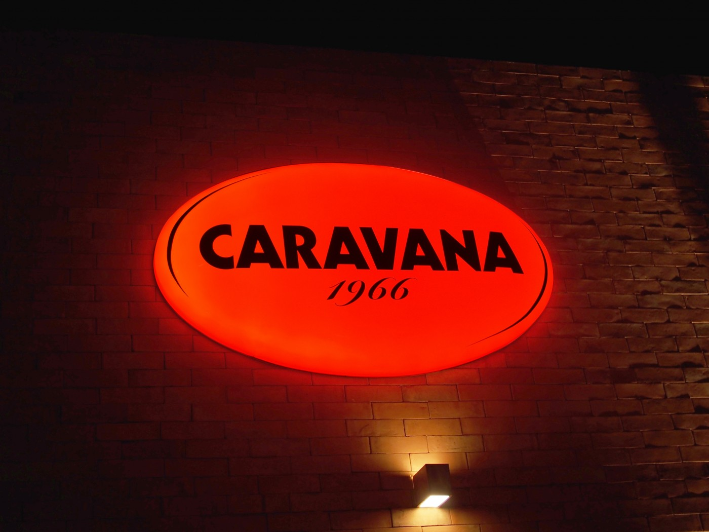 CARAVANA-IS-creative-studio